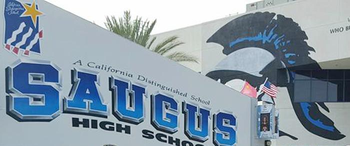 サンタクラリタの高校で銃撃事件:容疑者の日系男子生徒、自殺図り15日に死亡