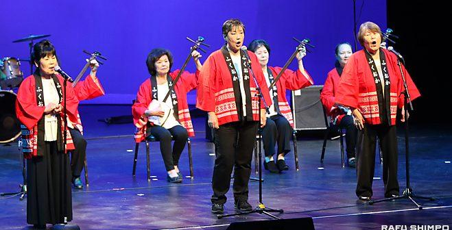 演芸会で観衆600人を魅了:日本文化継承者ら5人に奨学金