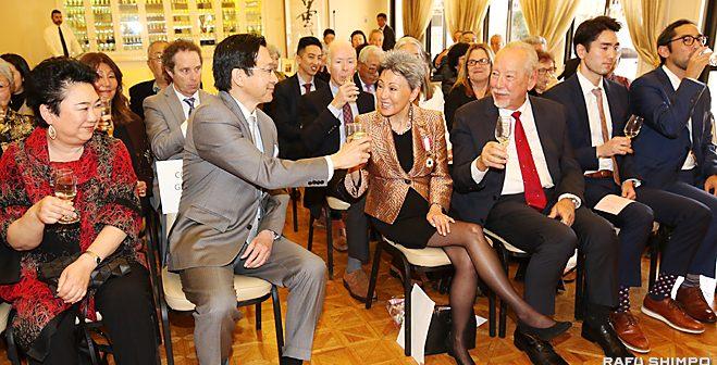 ナカトミさんに旭日双光章:日系人支援と日米関係促進に寄与