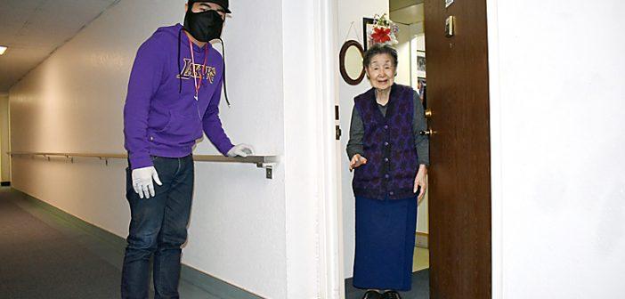 自宅待機の低所得高齢者を支援:KeiroとLTSCがコラボし「小東京イーツ」